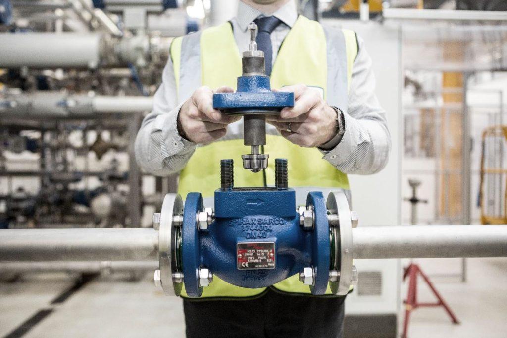 Instalação de válvulas de controle em sistemas de vapor
